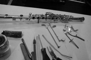 Remise en état d'une clarinette en métal