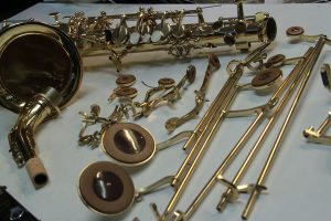Retamponnage d'un saxophone alto YAMAHA
